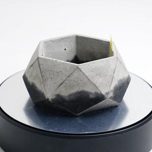 多角形のセメント鉢 ブラック×グレー 2トーン(モルタル鉢 コンクリート鉢、多肉植物 サボテン 塊根植物 アガベ パキポディウム等に)J