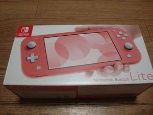 ★ 美品・送料込 Nintendo Switch Lite コーラル ニンテンドースイッチ ライト HDH-S-PAZAA オマケ付き ★