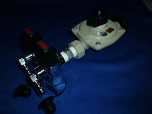 プロパンガス LPガス 調整器 2口ガス栓、コック付(ホース口)