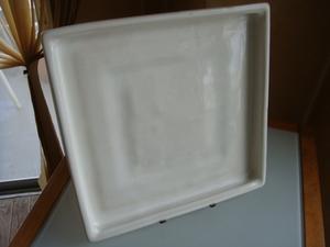 ◆ 白い釉薬の角型鉢受け皿 陶器 29×29cm 美品 プランター 多肉植物 サボテン鉢に 小物収納トレイにも 世田谷発送引取り可 同梱発送OK