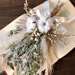 星月猫★「ホワイトコットンフラワーとパンパスグラス、ユーカリのスワッグ」ドライフラワースワッグ 花束