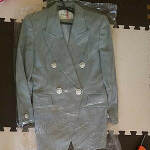 テーラードジャケットパンツスーツ
