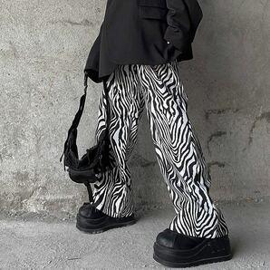 ワイドパンツ ゼブラ 総柄 イージーパンツ ボトムス ワイドレッグパンツ 韓国 オルチャン パンツ レディース メンズ 男女兼用 黒 白
