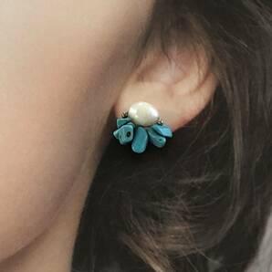 淡水パールとターコイズさざれ ピアス ターコイズブルー パールホワイト 青 白 真珠 さざれ石 夏 天然石