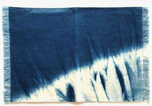 【全品送料無料】「 藍染めのランチョンマット 」フリンジ仕上げ 手染め 手作り 伝統工芸 民芸品 花瓶敷き 和風 和室や店舗に わけあり