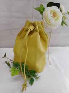 可愛いライム色のポーチ 巾着 ナイロンポーチ バックインバック  新品
