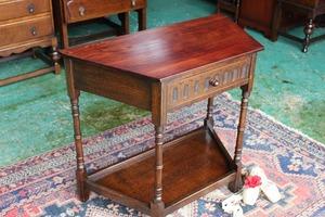 イギリスアンティーク家具 コンソールテーブル オケージョナルテーブル サイドテーブル テーブル 英国製 c16a