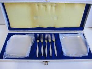 ◆未使用◆ デザートフォーク5本&プレート5枚セット ステンレススチール ビンテージ レトロ シルバー風 ヴィンテージ