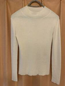 ハイネックセーター