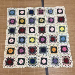 手編み☆かぎ針編み、お花のモチーフマルチカバー
