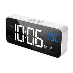 デジタル 時計 LED 目覚まし ミラー 多機能 温度 カレンダー 壁掛け 卓上 アラーム スヌーズ USB ホワイト