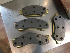 brake pad 1,978 Lincoln Continental Town Car Mark Ⅴ Mark Ⅳ 1979 1977 Ford Merrcury full size 1976 1975
