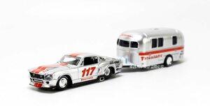 1:64 フォードマスタングgt + キャンピングカートレーラーモデル