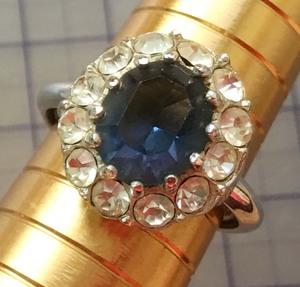 美品 サファイヤ風 ラインストーン 指輪リング サイズ調整可能 No.3927