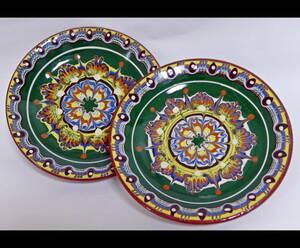★(早い者勝ち!)ドチョおじさんの手作り ブルガリアのかわいい緑色の中皿2枚(トロヤン焼き)★