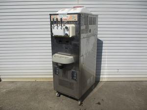 y1556-10 業務用 サンヨー ソフトクリームフリーザー SSF-M404P 3Φ200V W510×D780×H1530 ジャンク品 店舗用品 中古 厨房