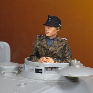 [MF10] 完成品 1/35 50mmクラス フィギュア 半身像 WW2 ドイツ兵 ドイツ軍 WSS(武装親衛隊)戦車兵 下士官 伍長 迷彩ユニフォーム