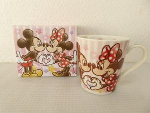 新品未使用 陶器製 ディズニー ハピネス2 マグカップ ミッキー&ミニー 定形外郵便全国一律510円 S1-a