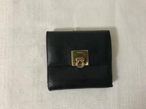 本物フェラガモFERRAGAMO本革レザーガンチーニ金具がま口コインケース二つ折り札入れミニサイフ財布黒ブラックトラベルレディースメンズ