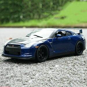 1:18日産GTR R35 2009モデル