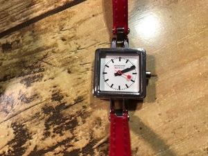 AK1208 良品 MONDAINE モンディーン SWISS MADE スクエア ホワイト文字盤 30339 赤 レッドレザーベルト クオーツ レディース 腕時計