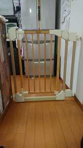評価参照!中古!リッチェル木のオートロックゲート ベージュ 木製 ベビーゲート 69~86cm 匿名配送170cm