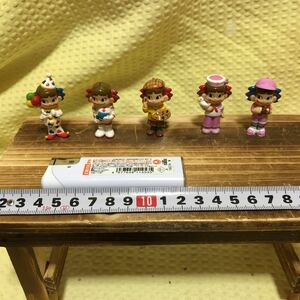 YK-1845 ペコちゃん 不二家 mini ミニペコちゃん フィギュア 5種類セット 中古品 高さ 約4.5cm 置物 レトロ 人形 オブジェ インテリア