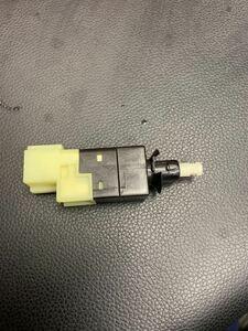 メルセデスベンツ Aクラス Bクラス Eクラス ブレーキランプスイッチ未使用品