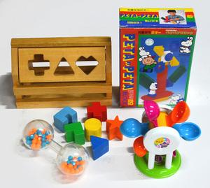 送料無料●USED●知育玩具セット ペタペタブロック 形合わせ木製パズル 水車 ガラガラ 時計 1歳~2歳児向け まとめて 木のおもちゃ