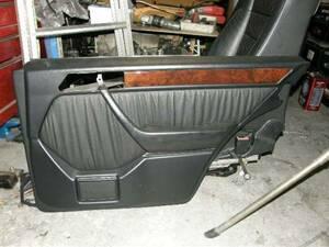 ベンツW124 右リヤドア革シート用内張り中古品