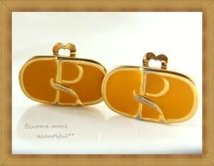 ★ROBERTA DI CAMERINO/ロベルタディカメリーノ★ヴィンテージ★マスタードカラーの横長ロゴイヤリング★205