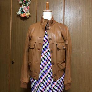 ブルーカルトのレザージャケットです。肌触り柔らかな革ジャンです。デパート購入定価は約3万くらいスタンドカラー袖口はリブ編み