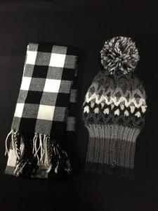 トップバリュ (TOPVALU イオンPBブランド)/ノーブランド (白×黒)マフラーと、グレー系 ニット帽子セット やや美品 送料350円§l☆