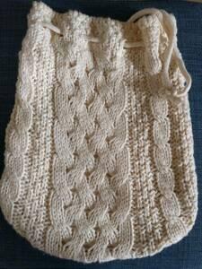 ミニ巾着バッグ バック 紐 ベージュ 小物入れ ポーチ ポシェット 毛糸 かぎ針 編み込み マクラメ トートバッグ レディース 小物