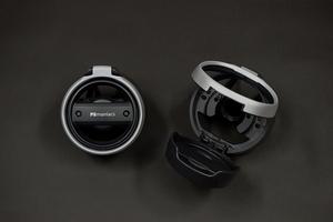 AUDI A3(8V)/Q2(GA) ドリンクホルダー【maniacs/マニアックス製】新品/ブラック&シルバー/