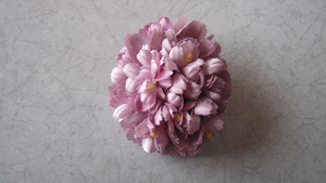 コサージュ ピンク系 ピンクの花 造花 ブローチ 布花 桃色