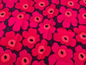 新品★廃盤 marimekko はぎれ 生地 mini unikko プラム ミニウニッコ ピンク 濃いパープル 北欧 布