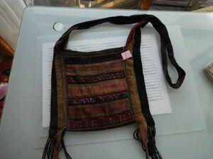 アカ族 ショルダーバックNO.8 698 32x28 肩紐120cm タイ アナあり ミャンマー北部山地岳 民族衣装 本物 手仕事 刺繍