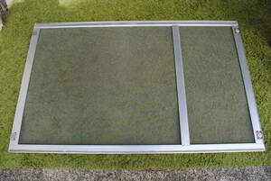 e601 screen door /1 sheets / silver / low ./ width approximately 80./ height approximately 130./ photograph several equipped