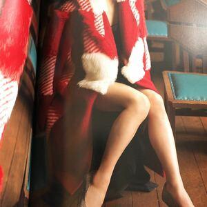 土屋太鳳 写真集『初戀』初版 帯付 美品 女優 美尻 美乳 美脚 スリット チラリズム キャミ くい込み 和服 絶対領域 アングル チア★ダン