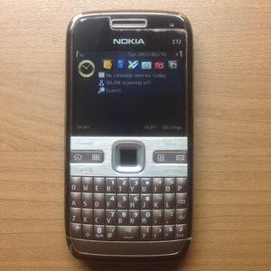 希少 Nokia ノキア E72 sim シム free フリー 日本語入力・表示 可能