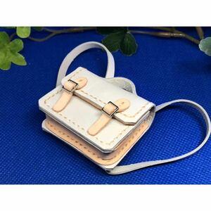 革細工 リュック型かばん 横幅5センチ 一つ miniature bag.