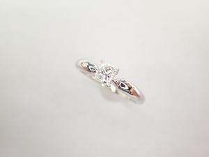 美品 タサキ 田崎真珠 Pt900 ダイヤ0.33ct(H‐SI2) デザイン リング 指輪
