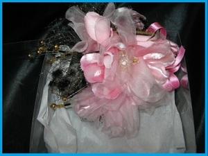 ★美品♪飾り付きピンク系花型コサージュ ケース入り