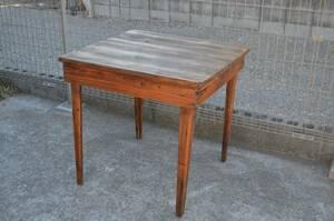 フランス アンティーク 木製のテーブル