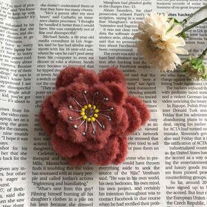 オリジナル 羊毛 フェルト お花 フラワー ブローチ フラワー ハンドメイド 花モチーフ コサージュ