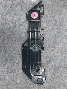 新品未使用品 TOYOTA トヨタ NHP170 シエンタ リアバンパー サイドリテーナー サポート 52575-52200 保管品