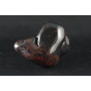 Красный Кацудо (обсидиан) Сырье камень полировки 295 г / TS-14
