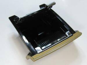 美品 平成17年式 エリシオン DBA-RR3 から取り外した 灰皿 小物入れ RR1 RR2 RR3 RR4 ELYSION 中古車 ダッシュボード インパネ コンソール