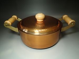 ◆送料込み即決◆3355◆レトロ未使用美品 銅製両手付鍋 蓋叩き出し槌目紋様持ち手木製キッチン食器調理器具両手鍋◆